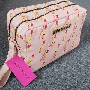 Oversized Weekend Cosmetic Bag